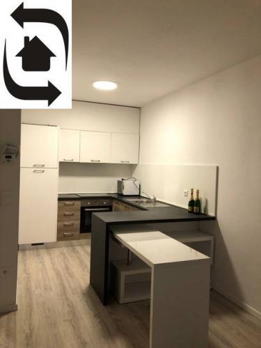 Reality 2 Izbový byt na Ružinovskej na prenájom