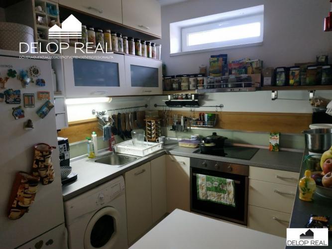 Reality Veľký 1 izbový byt (46 m2) s terasou na Malokarpatskom námestí
