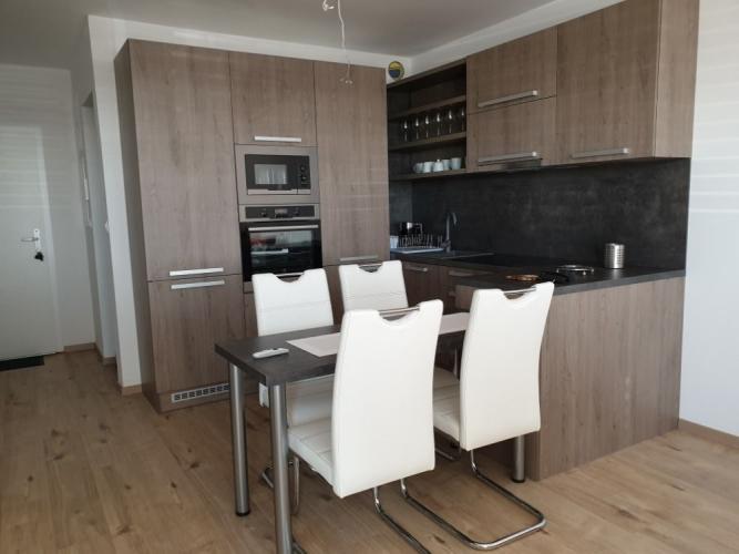Reality TRNAVA REALITY - EXKLUZÍVNE NA PRENÁJOM - luxusný komplet zariadený 2-izbový byt v novostavbe A