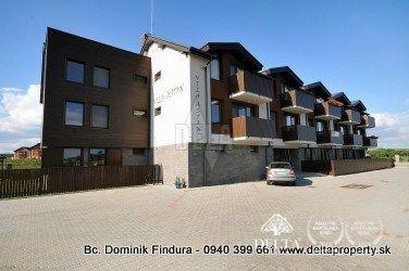 Reality Pripravujeme do ponuky - 3-izbový apartmán s dvomi terasami a s nádherným výhľadom na predaj V