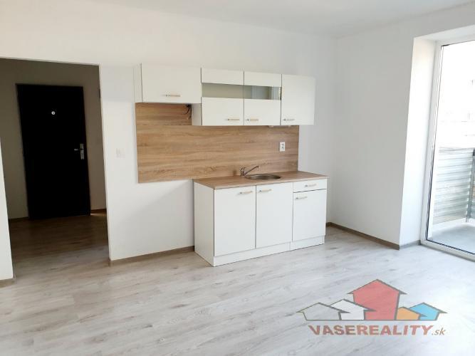 Reality 2 izbový byt Bánovce nad Bebravou -PRENÁJOM / BALKON / NOVÁ REKONŠTRUKCIA