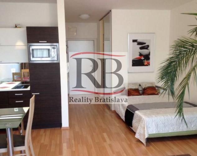 Reality 1 izbový byt na Tomašikovej ulici pri Kuchajde