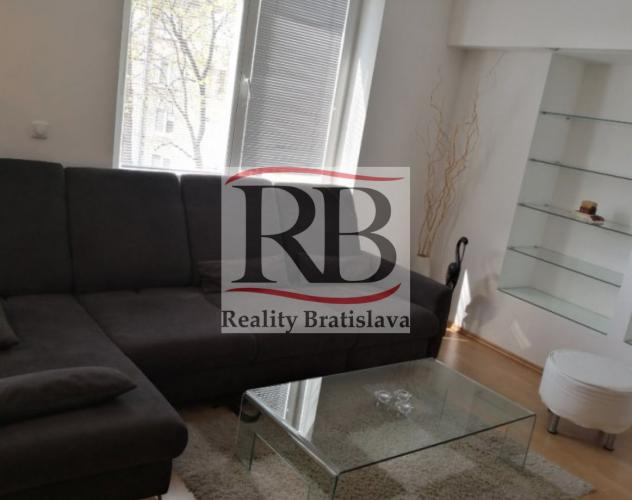 Reality 2-izbový byt v Ružinove v blízkosti trhoviska Miletičova