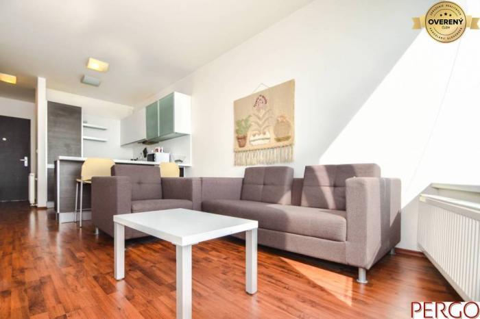 Reality 2- izbový byt s garážovým státím v III Vežiach