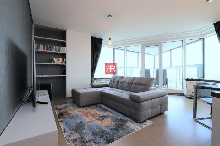 Reality HERRYS - Na prenájom nadštandardný 3 izbový byt  v  Panorama City v Starom Meste s  parkovaním