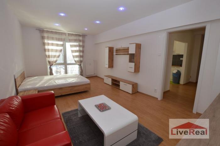 Reality Na prenájom 1 izb, Azovská, 56m2, balkón, tehla, zariadený, tichá časť
