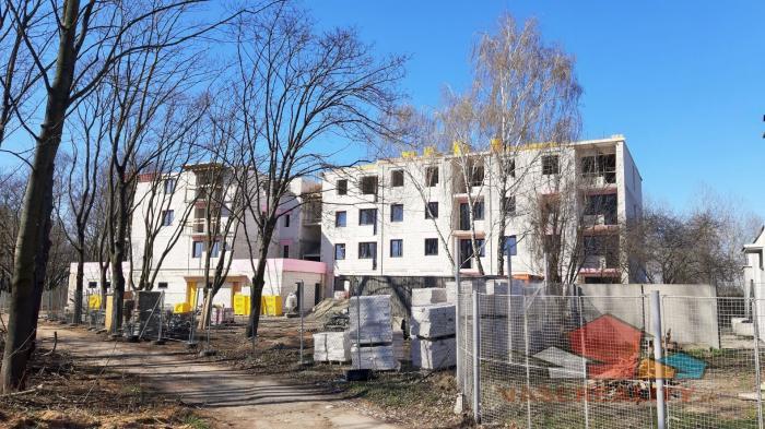 Reality EXKLUZÍVNE MIESTO SĹŇAVA - BANKA - PIEŠŤANY - 3-izbový byt č. 105 s terasou