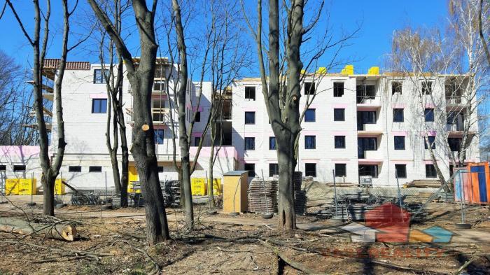 Reality EXKLUZÍVNE MIESTO SĹŇAVA - BANKA - PIEŠŤANY 1-izbový byt č. 101 s terasou