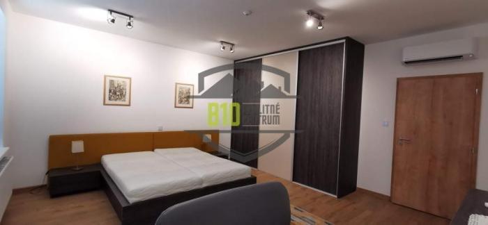 Reality Exkluzívne prerobený 2 izbový byt -76m2 - CENTRUM  MESTA - Možnosť Videoobhliadky