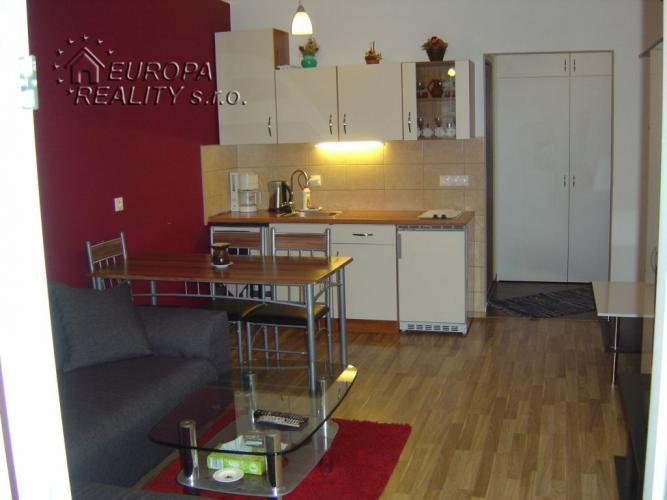 Reality Prenájom 2 izb. bytu vo Vlčom Hrdle - Ružinov