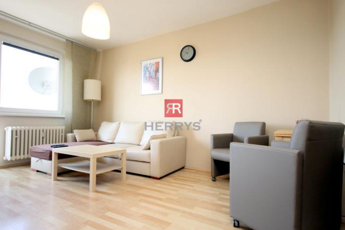 Reality HERRYS - Na prenájom 2 izbový byt  na ulici Nábrežie arm. gen. L. Svobodu v Starom meste pri Dun