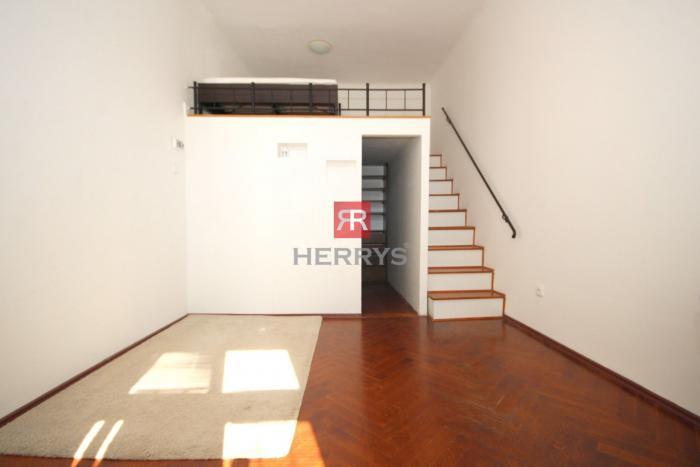 Reality HERRYS - Na prenájom 2 izbový byt v príjemnej lokalite na Palisádach