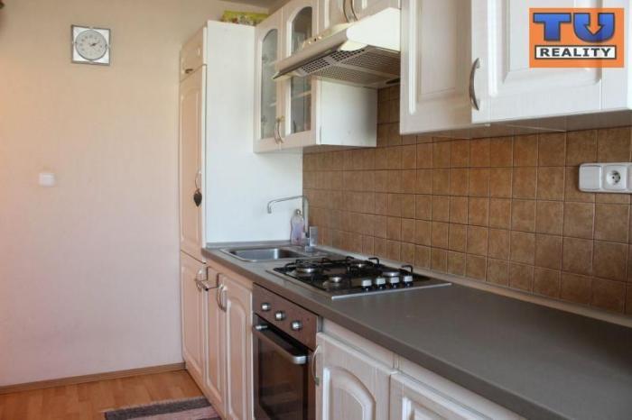 Reality 3-izbový byt, čiastočná rekonštrukcia, 60m2, Ružomberok-Roveň. CENA: 79 990,00 EUR