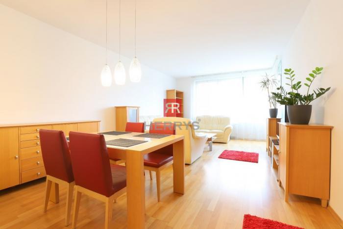 Reality HERRYS - Na prenájom priestranný 3izbový byt v novostavbe na brehu Karloveského ramena s výhľa