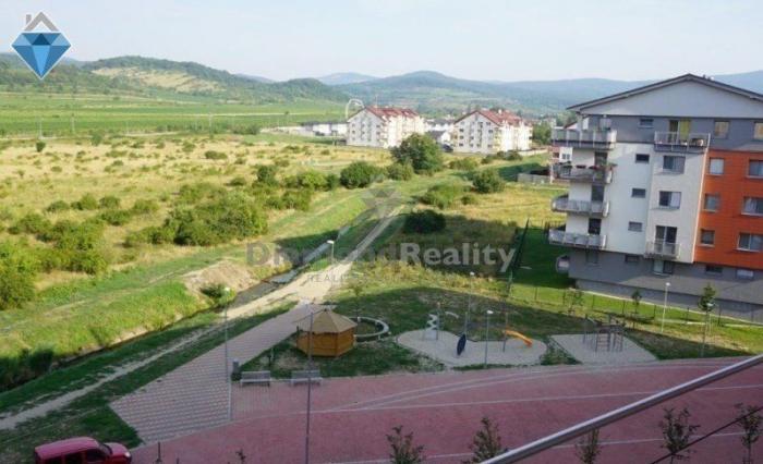 Reality Na prenájom nádherný 3 izbový byt, Sever, Pezinok