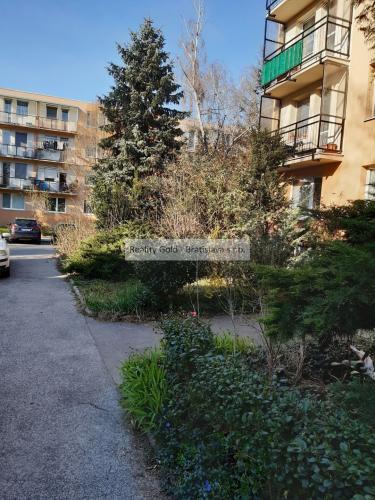 Reality 2 izbový byt s balkónom na predaj - Ondrejovova ul., mestská časť Ružinov