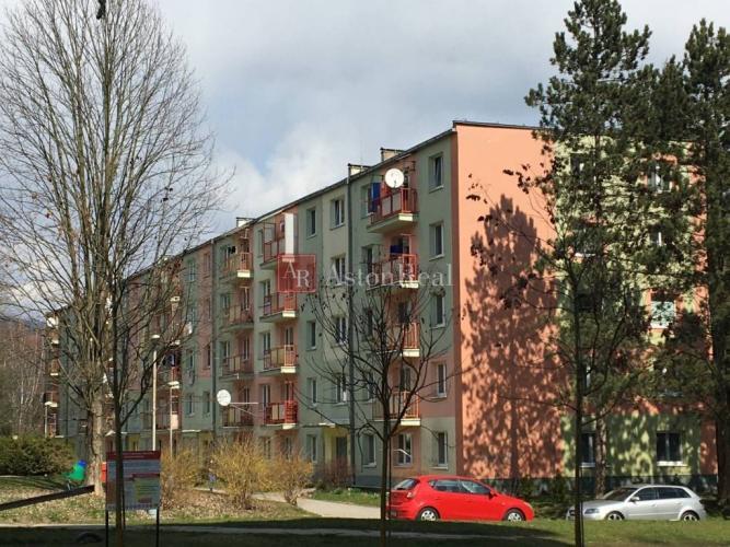 Reality Pripravujeme na predaj: 3i. byt s balkónom Fončorda 74 m2 pôvodný stav