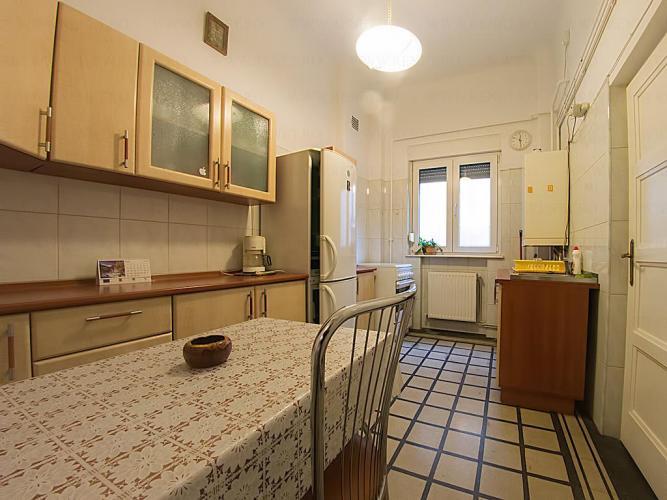 Reality Prenajmem 2 izbový byt. v Nobelova, Nové Mesto