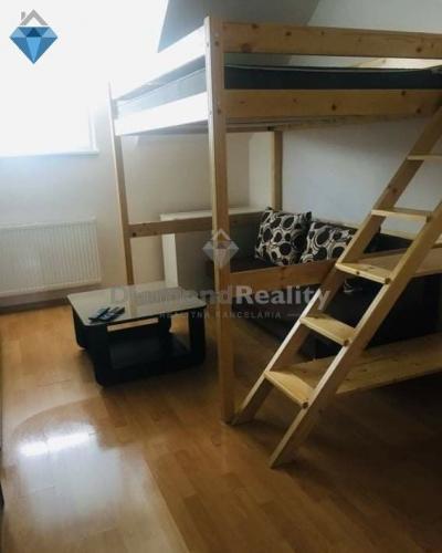 Reality Na prenájom priestranný 1 izbový byt, Kopánka, Trnava