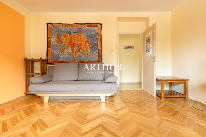 Reality ARTHUR - Krátkodobý (6 mesiacov) prenájom krásneho 2 izbového bytu na Kolibe