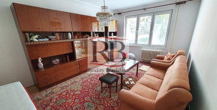 Reality 1-izbový byt na ulici Jadrová v atraktívnej ružinovskej lokalite Ostredky