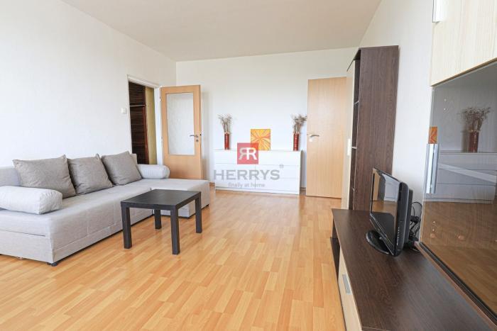 Reality HERRYS - Na prenájom priestranný 2 izbový byt vo vyhľadávanej lokalite pri Štrkoveckom jazere