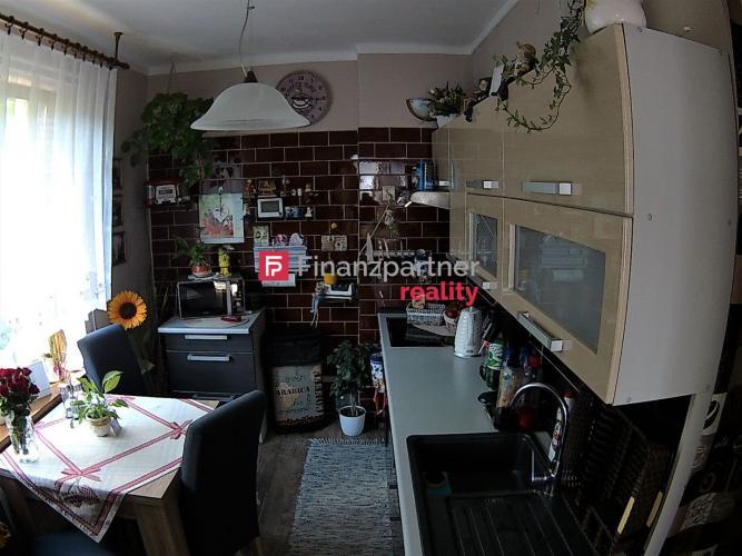 Reality Exkluzívne na predaj, slnečný 2 izbový byt Gelnica (F006-112-ANE)