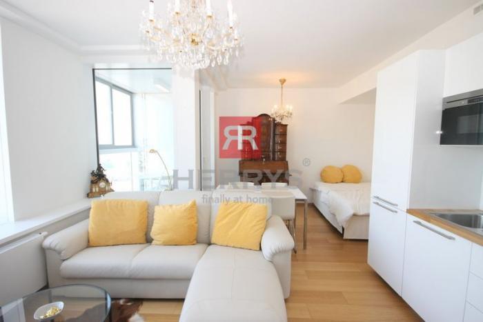 Reality HERRYS - Na prenájom 1 izbový byt kompletne zariadený na 28. poschodí v  novostavbe Panorama Cit