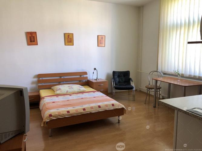 Reality Prenájom 1 izbový apartmán, Žilina - Centrum, Cena: 400€