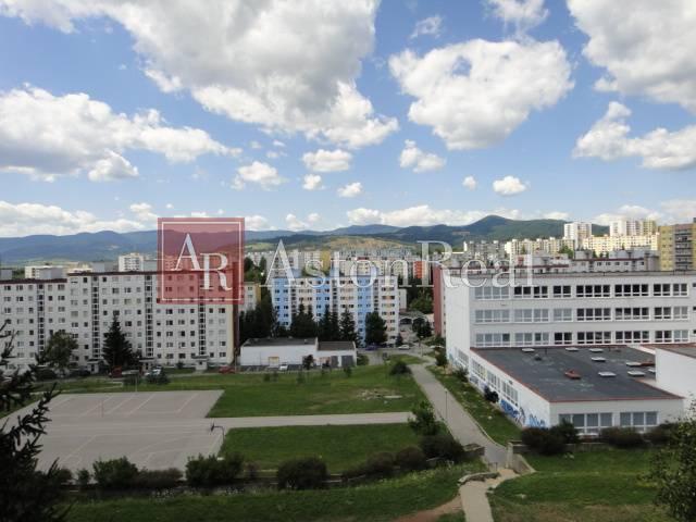 Reality HĽADÁM pre klienta 3 izb. byt na ul. Tatranská v časti Sásová - B.B