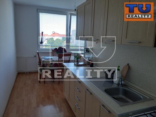 Reality Zrekonštruovaný 3 izbový byt 83m2, Vlčince/Žilina. CENA: 127 980,00 EUR