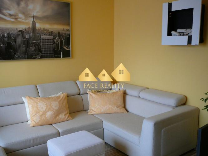 Reality Na predaj 4 izbový byt v Poprade, rozloha 100 m2 !