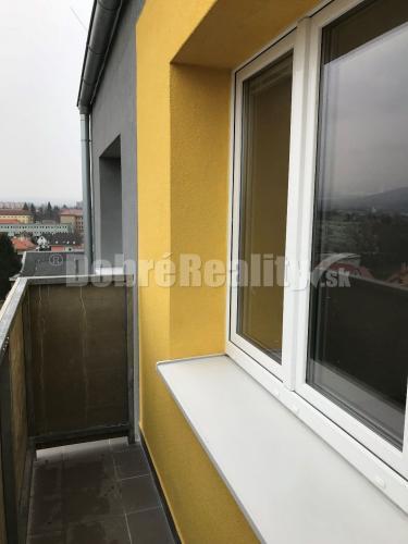 Reality Na   predaj kompletne prerobeny a zariadený  1 izb. byt s balkónom