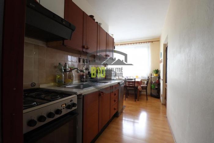 Reality IBA U NÁS - 2 izbový byt- väčšia metráž + garáž