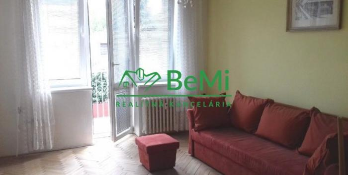 Reality Predáme priestranný 2 - izbový tehlový byt v Bratislave - Ružinov
