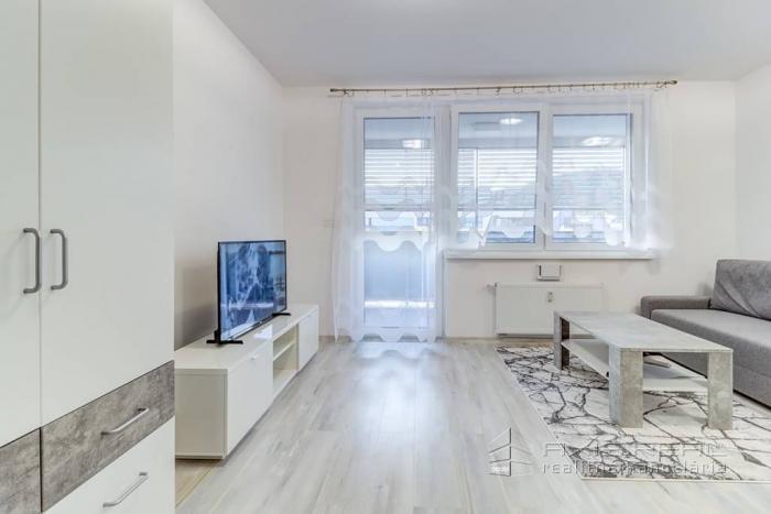 Reality 360° VP:: Nový 1i byt, LODŽIA, NOVOSTAVBA, BA III.Rača, Malokrasňanská