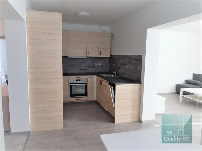 Reality Okr. SENEC- NA PREDAJ veľkometrážny 3 izbový byt + samostatná kuchyňa v novostavbe – ul. Hla