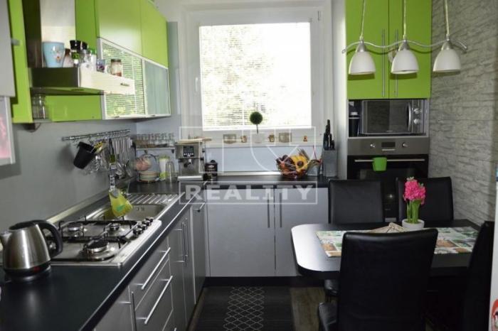Reality 3 izbový kompletne zrekonštruovaný byt Ľadoveň, 65m. CENA: 87 000,00 EUR