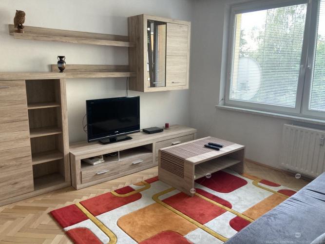 Reality Prenájom 1 izbový byt,  Žilina - Vlčince, Cena: 390 €/mesiac
