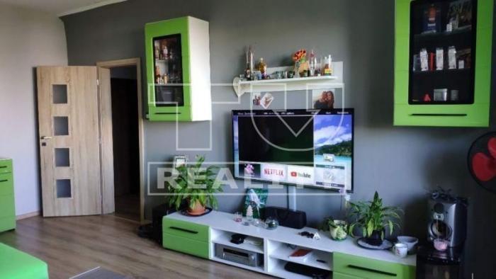 Reality Výborná lokalita! 2 izbový byt, kompletná rekonštrukcia, 54m2, loggia, pivnica, Bratislava-Ruž