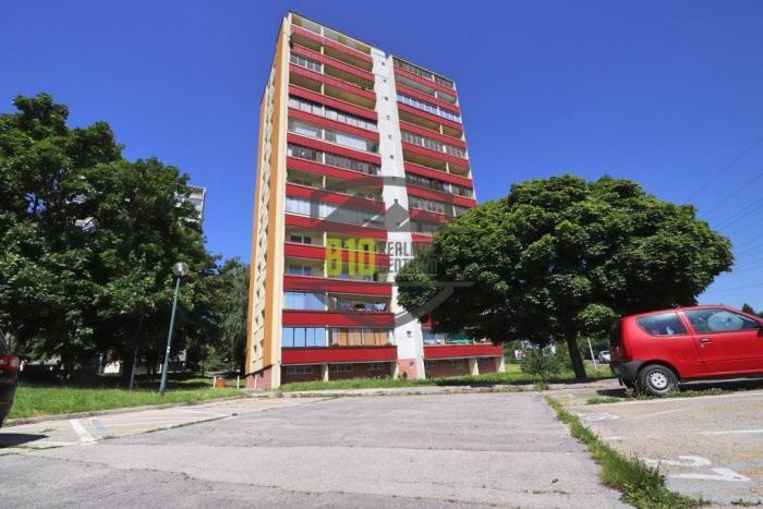 Reality Exkluzívne s TOP cenou ponúkame 3i byt v Dúbravke s výhľadom na Kamzík