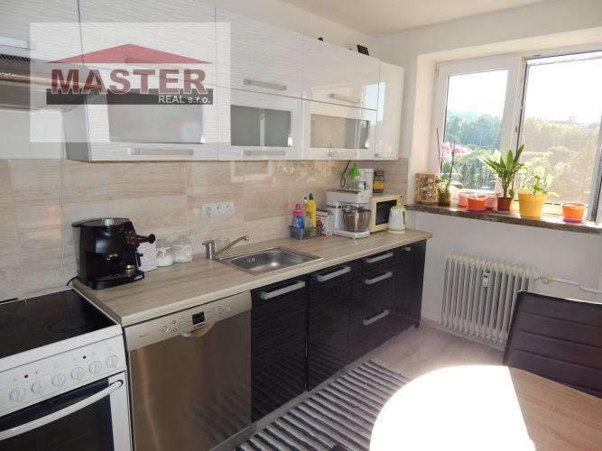Reality Na predaj 3- izbový byt, 72 m2, Handlová, 29.Augusta