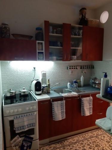 Reality SENEC - predaj pejného zrekonštruovaného 3 izb. bytu vo výbornej lokalite v blízkosti centra me