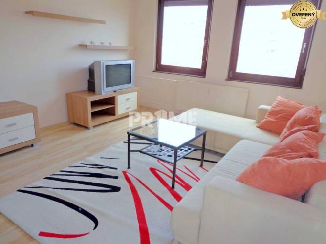 Reality Pekný 3i byt, rekonštrukcia, parking, loggia, Mierová ulica, Ružinov