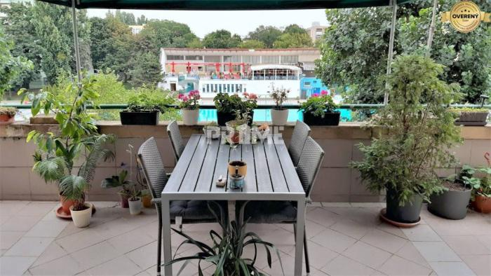 Reality Pekný 2i byt, terasa ( 60 m2 ), klíma, Dog friendly, Miletičová ul.