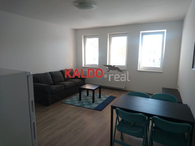 Reality Trnava - na prenájom 2-izbový zariadený byt