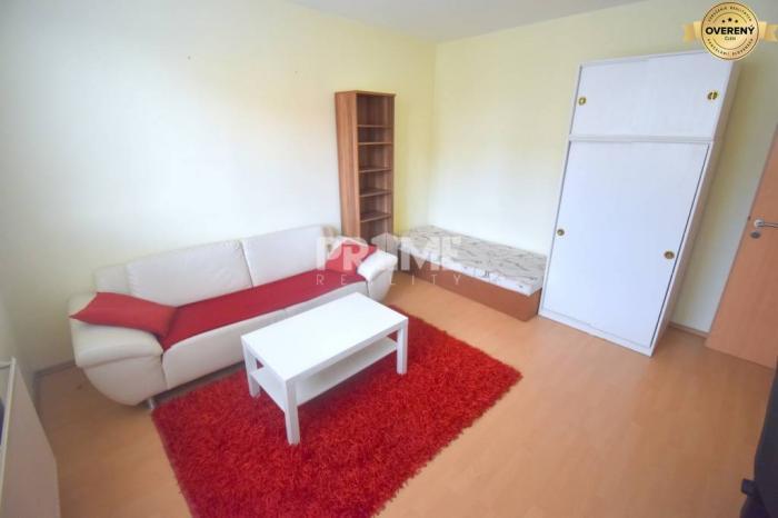 Reality Pekný 3i byt, 3 x nepriechodná izba, loggia, Furdekova ul., Petržalka