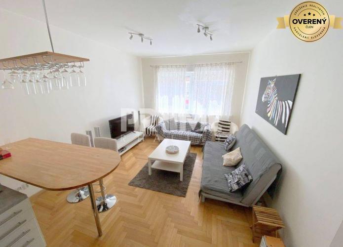 Reality Pekný 2i byt, rekonštrukcia, DOG FRIENDLY, centrum, Dunajská ulica