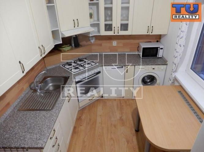 Reality PREDAJ-3-izbový BYT, TEHLOVÝ bytový DOM, BALKÓN, Bernolákovo, 73,89 m2 CENA: 124 500,00 EUR