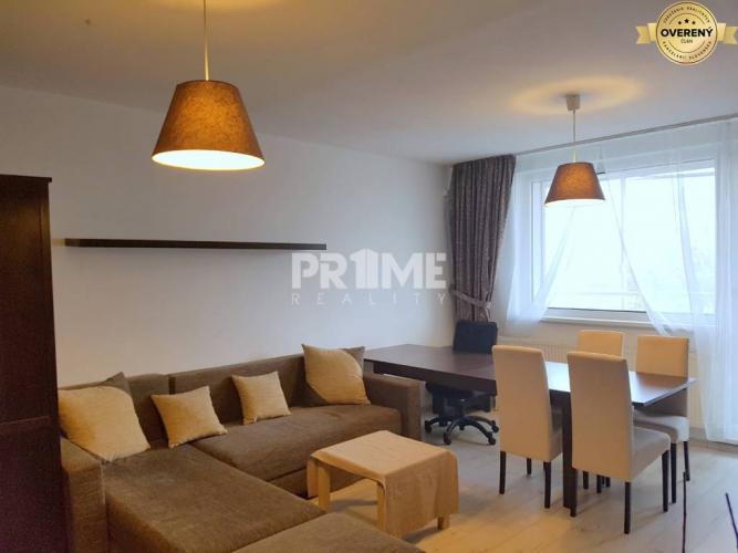 Reality Pekný 2i byt, rekonštrukcia, loggia, Petržalská plaváreň, Fedinová ul.